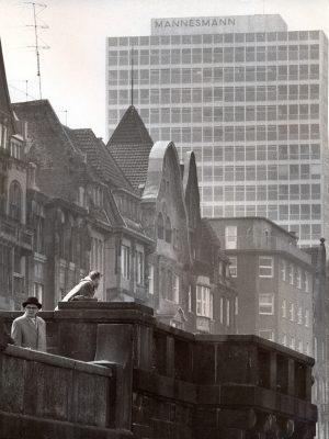Mannesmannufer mit Mannesmann-Hochhaus, 1958