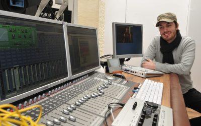 Mischpult in einem Tonstudio